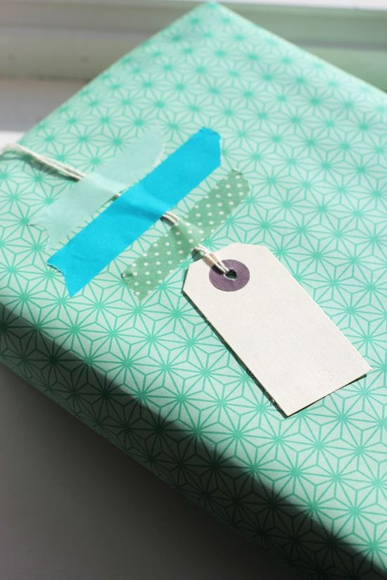 The Small Details: DIY - Gift Wrapping