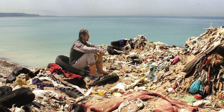 ゴミ問題に鋭く切り込んだ映画『TRASHED』<br /> ~海に漂うマイクロプラスチックの脅威~