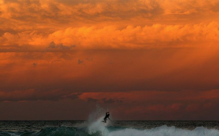 Sunset at Bronte Beach in Sydney