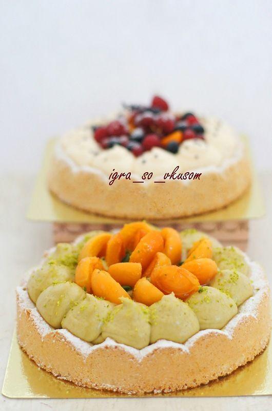 Тарт с фисташковым кремом и абрикосами.