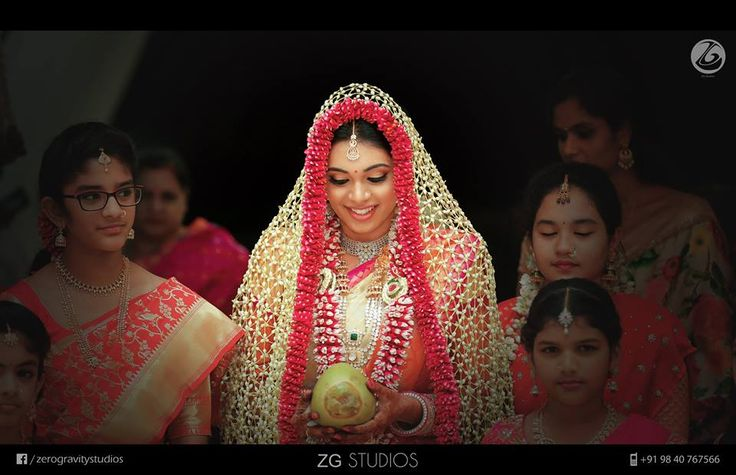 💖Photo by ZERO GRAVITY PHOTOGRAPHY, Hyderabad #weddingnet #wedding #india #indian #indianwedding #ceremony #indianweddingoutfits #outfits #backdrops #prewedding #photographer #photography #inspiration #gorgeous #fabulous #beautiful #jewellery #jewels #details #traditions #accessories #lehenga #lehengacholi #choli #lehengawedding #lehengasaree #saree #bridalsaree #weddingsaree #tikka #earrings #pune #gold #darkblue