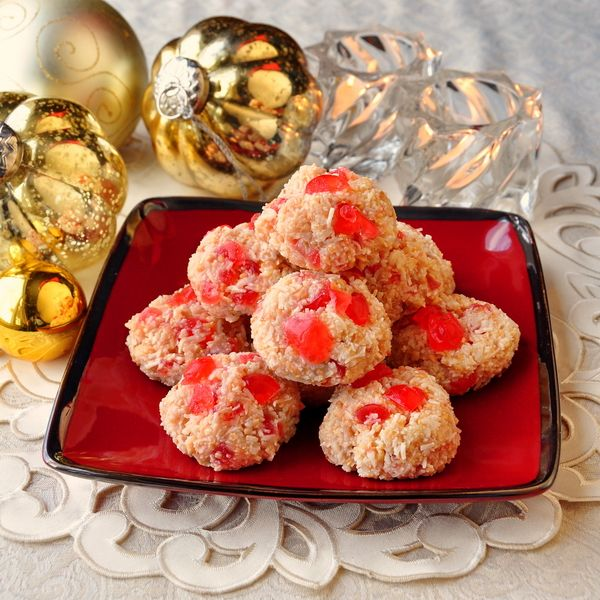 Easy Cherry Almond Macaroons - A very simple, easy coconut macaroon recipe with the added flavors of cherries and almonds. These freeze well making them another great choice for the Holiday freezer.