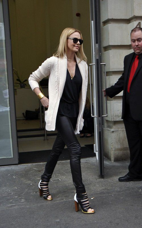 Just love Charlize Theron (that London style)