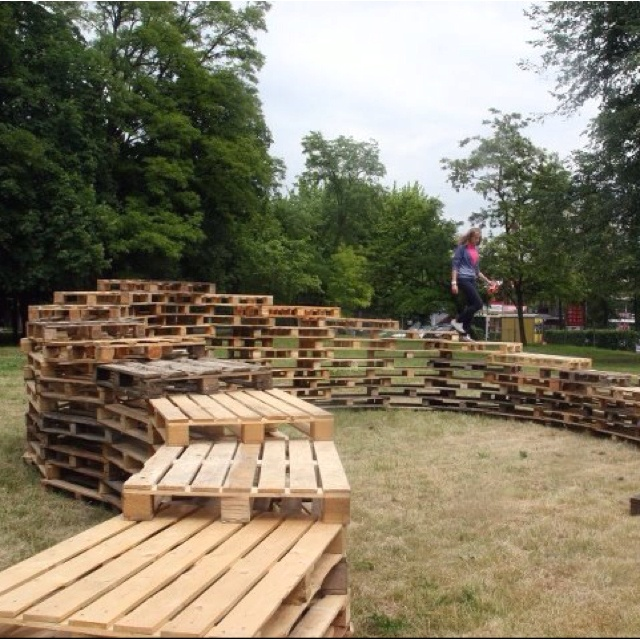 Pallet Walkway: Fucking Pallets, Pallets Furniture, Pallet Walkway, Pallets Ideas, Pallets Walkways