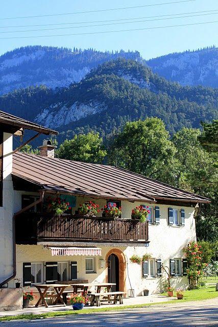 133 best images about bavarian style homes bayerische h user on pinterest traditional. Black Bedroom Furniture Sets. Home Design Ideas