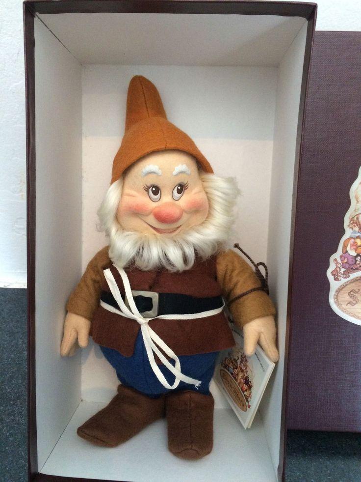 "R. John Wright Snow White & the Seven Dwarfs 9"" Doll -- Happy | eBay"
