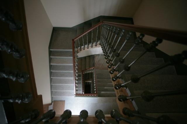 Palazzo Minerva. La scala condominiale. Riportata alle sue origini. Canuto Costruzioni