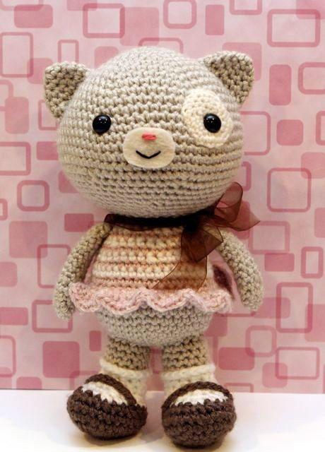 Crochet Amigurumi Kitty : nice amigurumi crochet pattern here. Amigurumi Pinterest