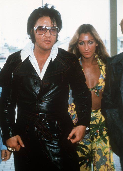 "Elvis and The Beauty Queen...Linda Thompson First wife of Olympian Bruce Jenner Second wife of composer David Foster. E definitely had a ""type""...."
