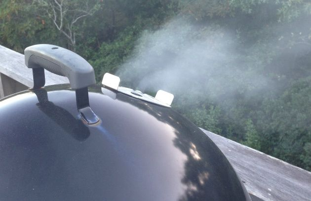 Charcoal Water Smokers: advantages, drawbacks, guide to buying, and tips for using