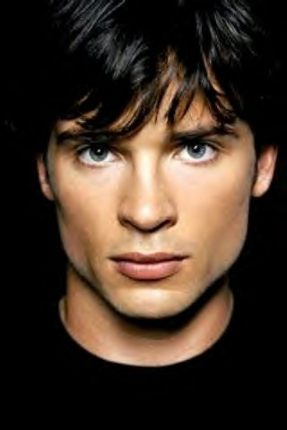 I never did get into Smallville...but I sure do love to look at Tom Welling :)