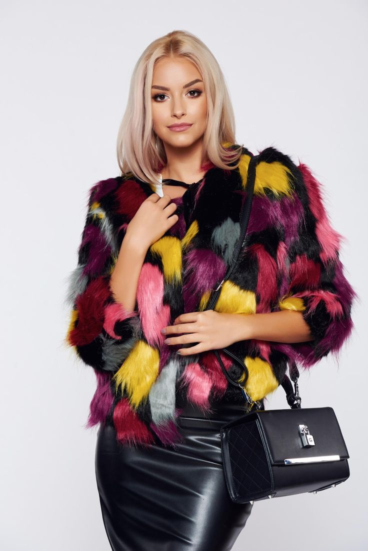 Pink elegant easy cut coat inside lining, with pockets, easy cut, inside lining, 3/4 sleeves, ecological fur