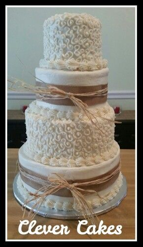 Buttercream cover rustic design
