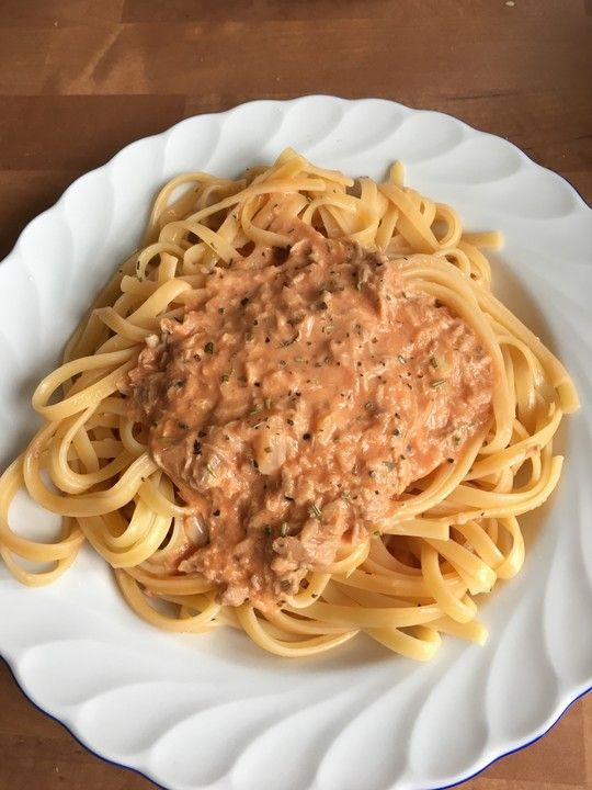 Spaghetti with tuna cream sauce   – Essen