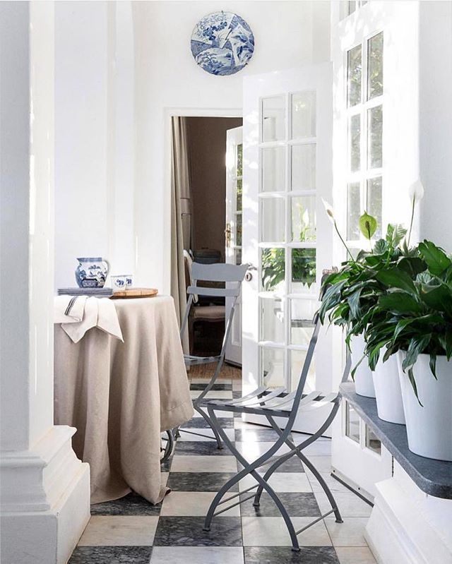 Our Kamma Linen Tablecloth Provincial Stripe Serviette Looking Dreamy In A Houseandleisure Feature On The Historic Whiteh Interior My Dream Home Table Cloth