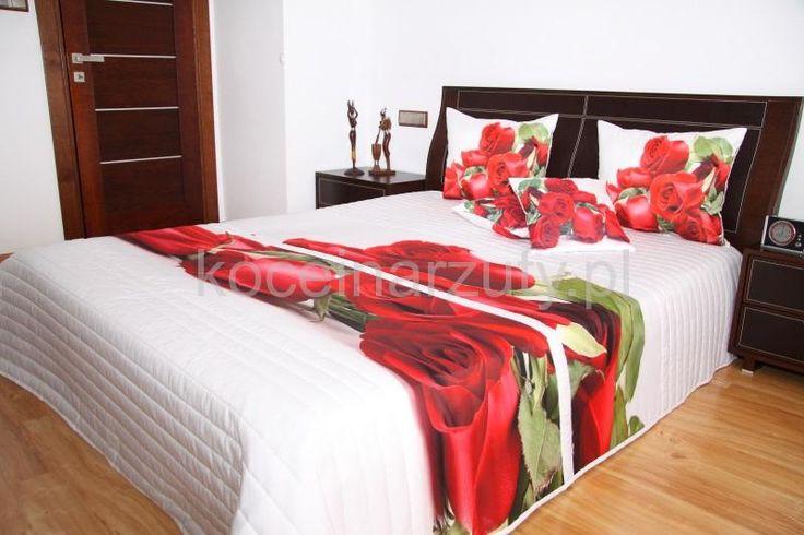 Pikowana narzuta 3D na łóżko sypialniane koloru białego w róże