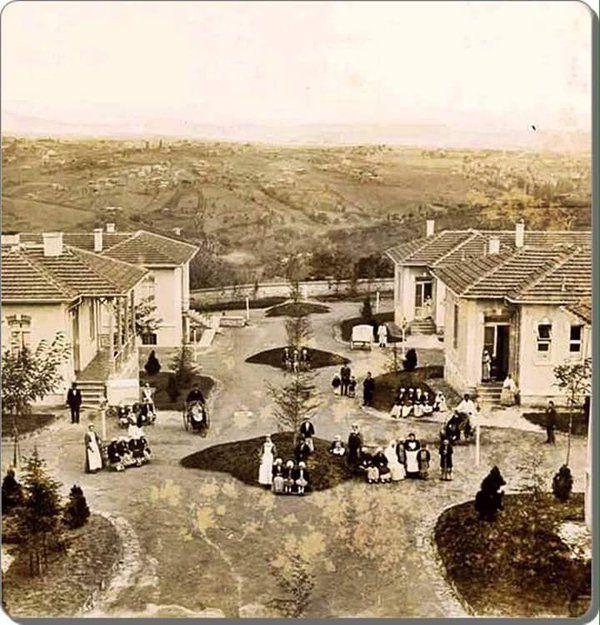 Şişli Etfal Çocuk Hastanesi ve arka tarafında geniş bir alan... #birzamanlar #istanbul #istanlook #oldpics