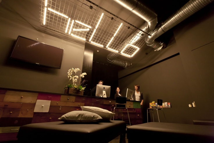 105 best images about d co comptoir accueil on pinterest for Hipster hotel prague