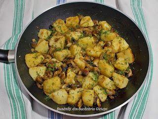 Cartofi cu ciuperci la tigaie