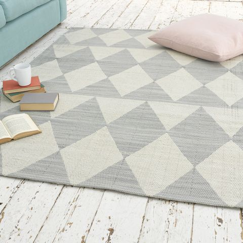 CHECKER. There's no science to this rug, it just works. The mid-grey, the off-white...go with it. #BonjourBlighty #rug