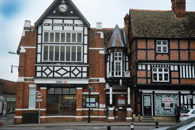 Wantage town square