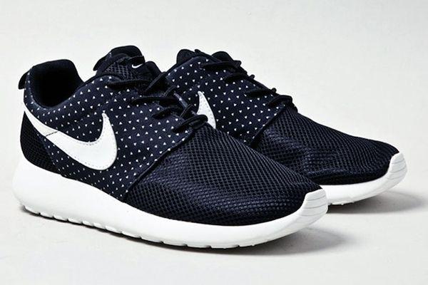 meilleur site web cc757 604b9 Nike Roshe Run Pois startup-alliance.it