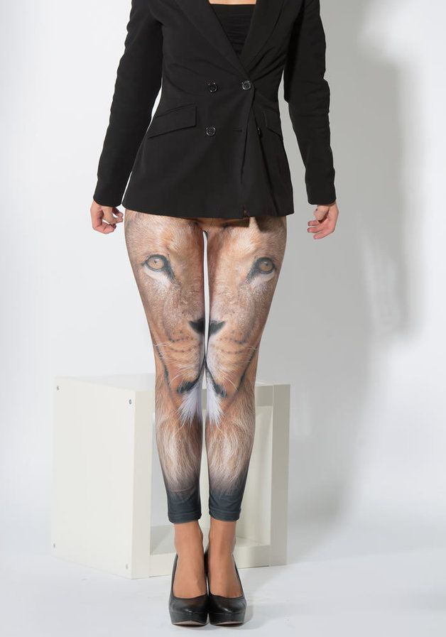 Leggings mit Löwen-Print // Leggings with Lionface by Straight Banana via DaWanda.com