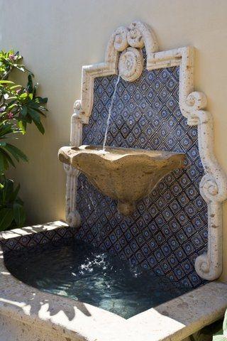 VDM Hacienda - water feature / fountain on the wall with mosaic / tiles as backsplash