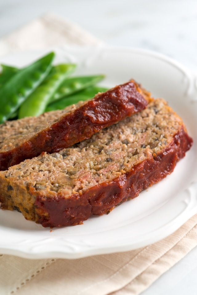 You would never guess this turkey meatloaf is packed with mushrooms, but that's what makes it so darn delicious. Lots (and lots) of finely chopped mushrooms add flavor and moisture, often missing from the typical turkey meatloaf. from inspiredtaste.net | @inspiredtaste