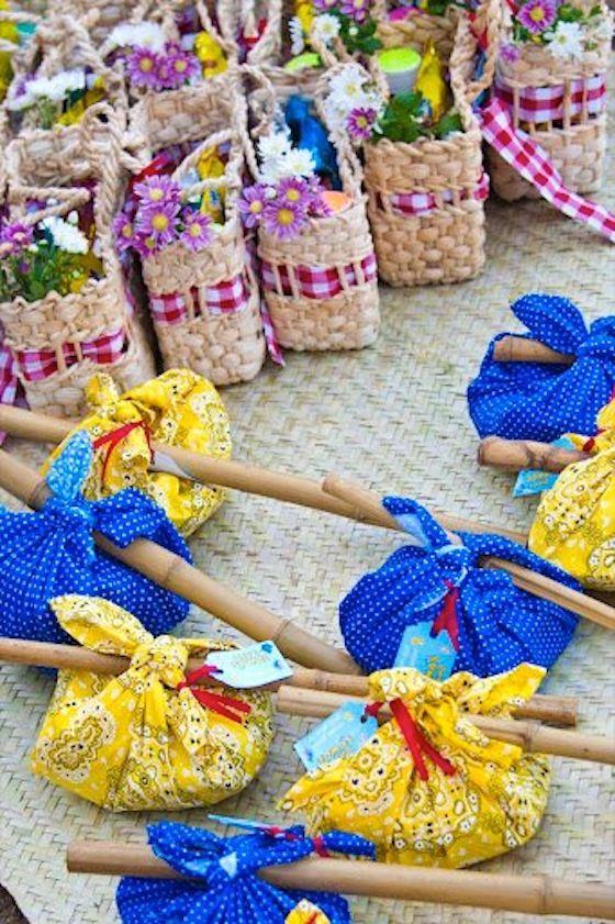 Ideias diferentes, simples e criativas para decorar festas juninas.
