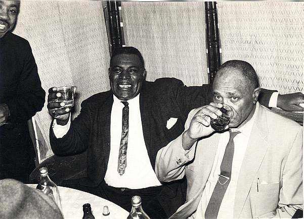 Howlin Wolf 1964 enjoying a drink