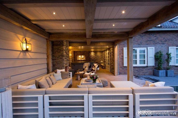 Exclusieve veranda, modern en landelijk interieur.
