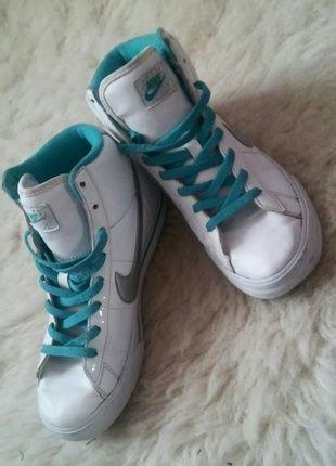 Kup mój przedmiot na #vintedpl http://www.vinted.pl/damskie-obuwie/obuwie-sportowe/10745747-sportowe-turkusowo-biale-dlugie-nike