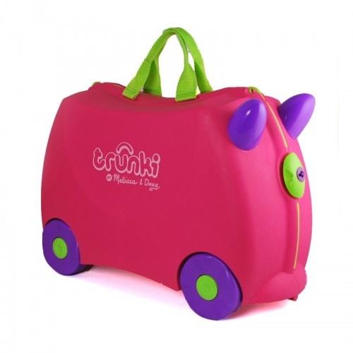 Une valise colorée que votre enfant aimera traîner facilement derrière lui.