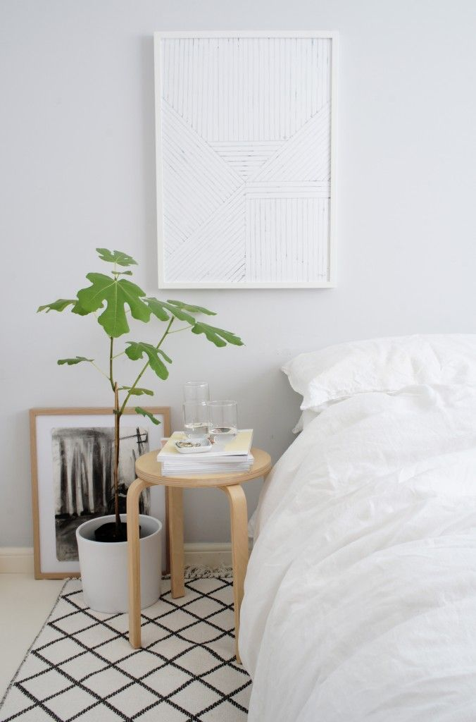 bedroom styling | white sheets