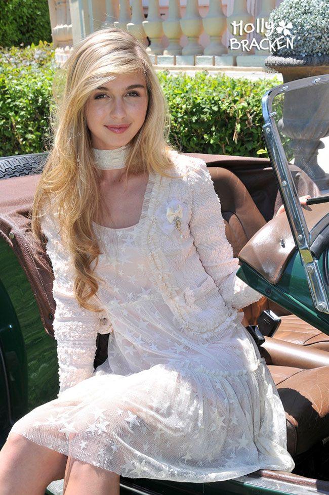 Damesmode lente-zomer 2014 de zomerjurken van Molly Bracken laat zich opvallen door zijn exclusieve uitstraling, met een brede collectie zeer vrouwelijke romantische jurken, MEER  http://www.pops-fashion.com/?p=10039