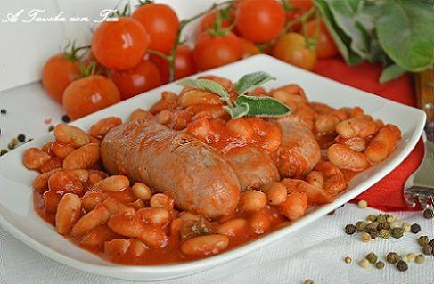 I fagioli all'uccelletto sono uno dei piatti più caratteristici della cucina toscana, semplici come ingredienti ma gustosi e nutrienti. Possono essere un o