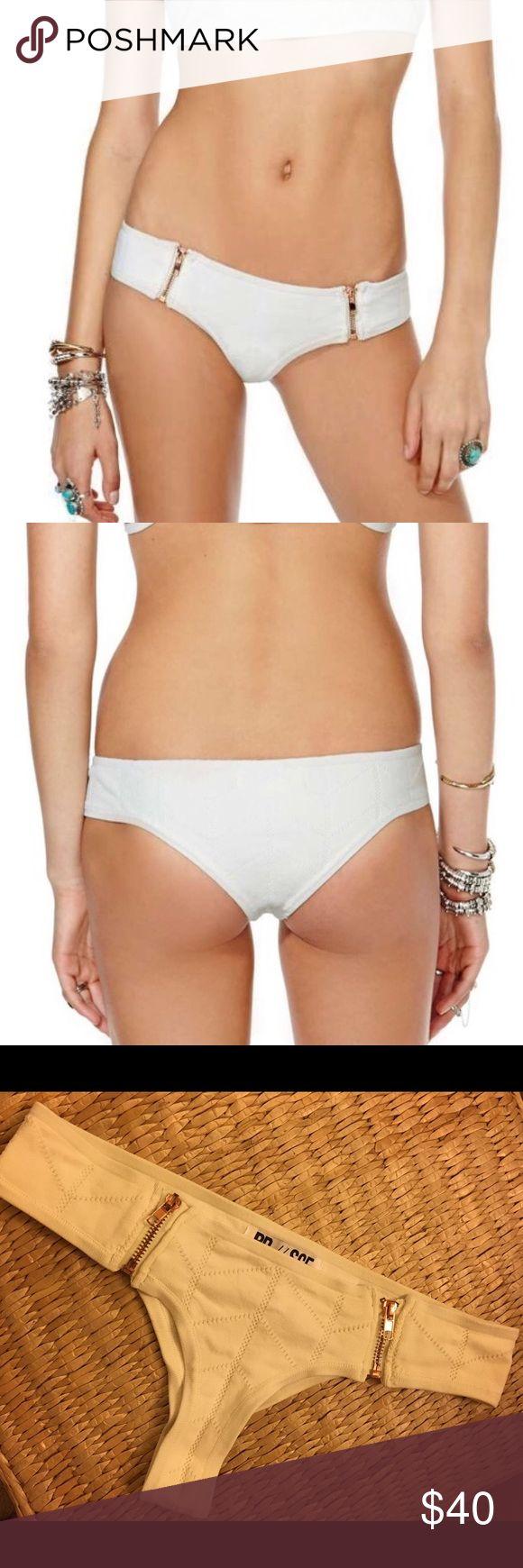 Stone Cold Fox x Beach Riot cheeky bottoms Super cute beach riot bikini bottoms. Perfect condition, worn twice. Beach Riot Swim Bikinis