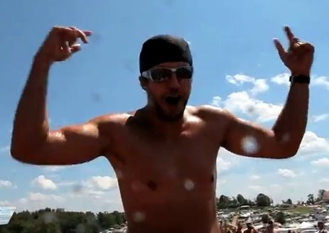 Shirtless Luke Bryan...omg I think I just died peacefully❤