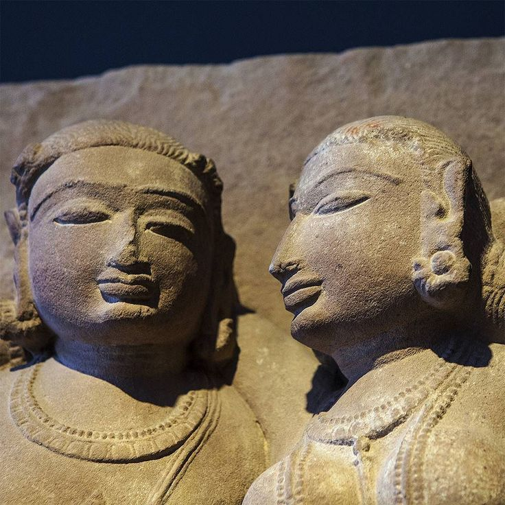 #gracefully so #gracefully is this#couple #modelled into #stone many #hundred years ago and #tobeseen in the #rietberg #museum in #zürich ; #urban #aera #lifestyle #stilllife #meditation #swiss #switzerland #attraction #journey #tourism #travelling #meditation #thankfullness #mindfulness #hipandhealthy #sculpture #soulfood
