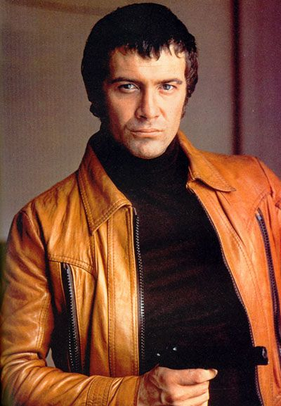 BODIE, Lewis Collins