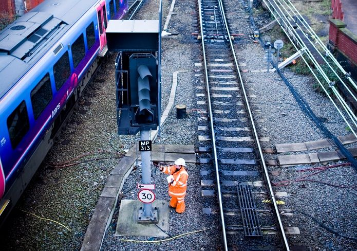 Asesoraremos a Network Rail en Reino Unido en la operación de su red ferroviaria por 40 millones de libras al año