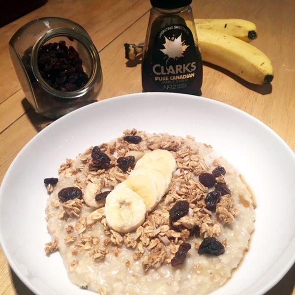 granola topping  http://allaboutthegirlblog.blogspot.co.uk/2016/10/porridge-day-keeps-cold-away.html
