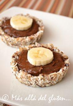 Más allá del gluten...: Tartaletas RAW de Chocolate y Banano (Receta GFCFSF, Vegana, RAW)