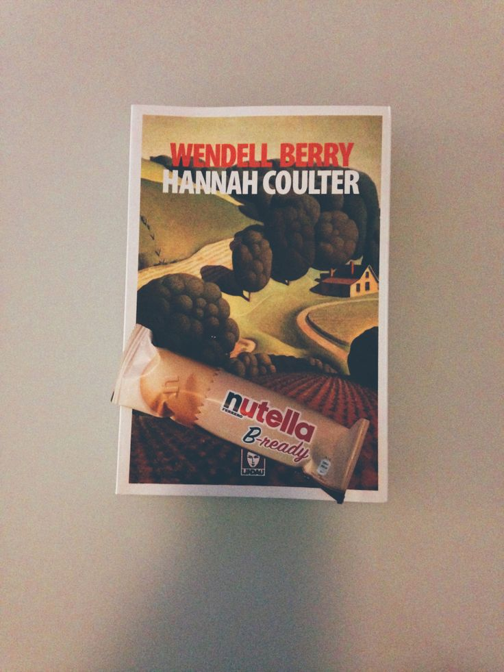 Francesca e la sua colazione con #HannahCoulter di #WendellBerry!