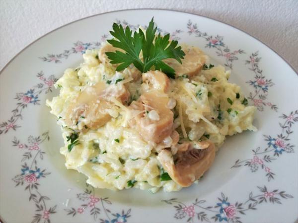 Arroz à Piamontese, uma versão mais fácil que o risotto mas igualmente saborosa! Clique na imagem para conferir a receita!