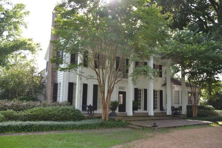 1920 plantation equen plantation home in for Home builders in mississippi