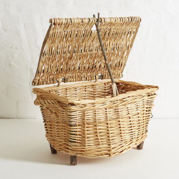 "A traditional ""Devon Maund"" picnic hamper, handwoven by master basket-weaver Hillary Burns using Devon willow and hazel. Unique piece  This piece is currently reserved, but additional pieces can be ordered with a lead time of 6-8 weeks"