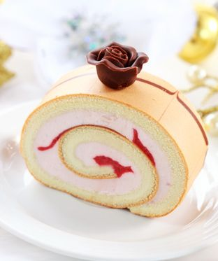 lychee rose cake roll