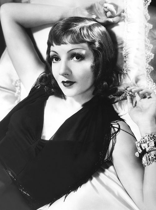 Claudette Colbert (1903 - 1996): One of Hollywood's biggest stars of the 1930's.